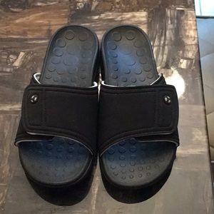 New Adjustable Vionic Slippers
